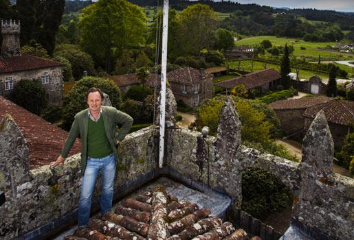 Rural. El aristócrata, 52 años, en una torre del Pazo de Oca, en A Estrada (Pontevedra).